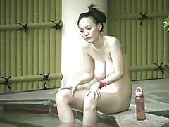 Japaness մայրը saggy ծիծիկներ մազերով ներքնազգեստ
