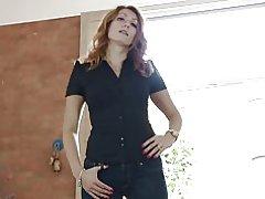 Redhead հասուն երինջ սեւահեր